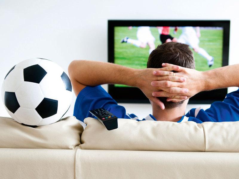 Сегодня телевизору футбол по